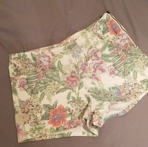 Floral print high waisted shorts 9